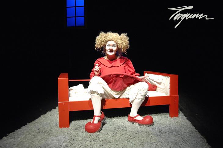 Bilde fra forestillingen Klovn og klang